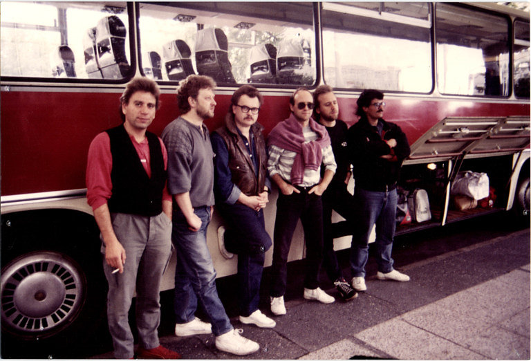Tourbus-Ost-1987-768x522.jpg
